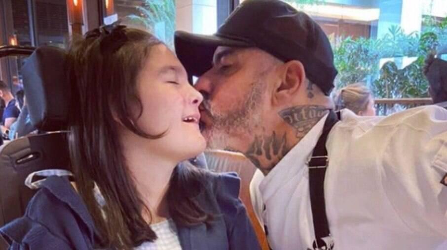 Henrique Fogaça revela tratamento da filha especial à base de maconha