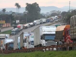 Pesquisa aponta que 13% dos caminhoneiros usam rebites
