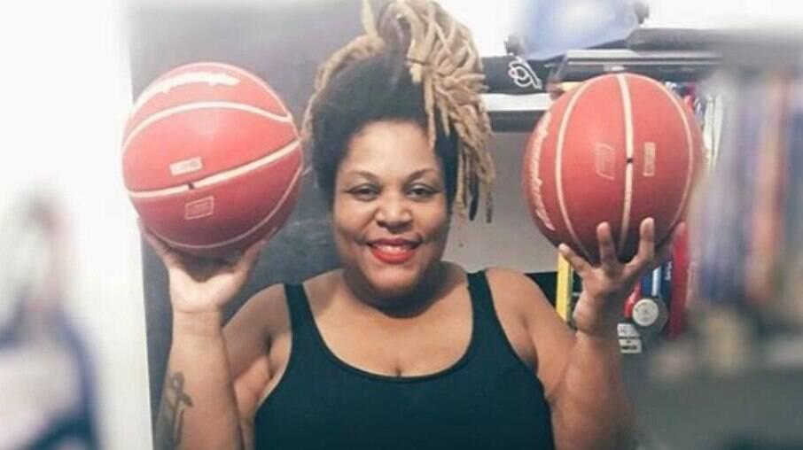 Ellen é apaixonada por basquete desde pequena
