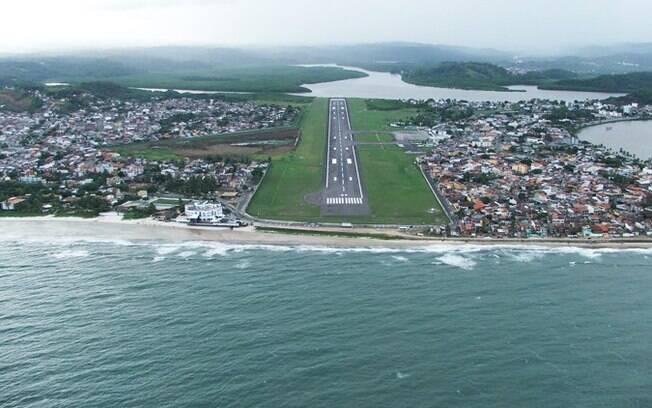 Recomendação é de que os passageiros procurem as companhias para consultar a situação dos voos nos aeroportos
