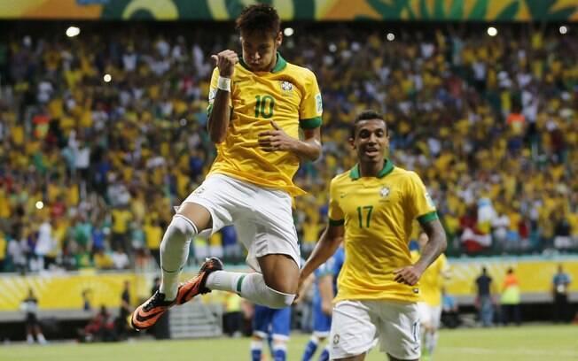 Neymar celebra golaço pela seleção