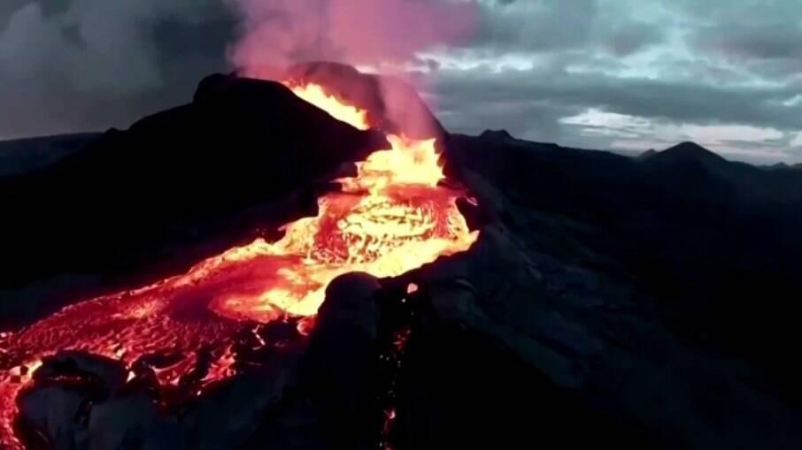 Vulcão Fagradalsfjall entrou em atividade em março deste ano