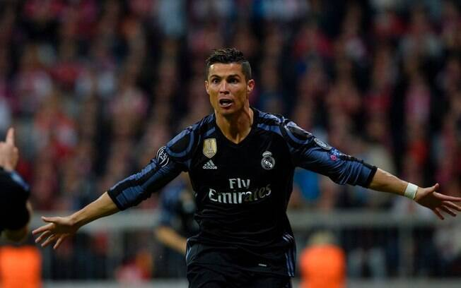 Cristiano Ronaldo fez dois diante do Bayern de Munique e deu a vitória para o Real Madrid