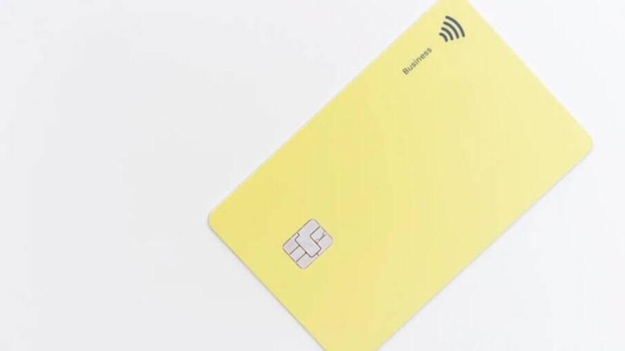 Com a alta da Selic, consumidores devem ficar atentos com dívidas no cheque especial e no cartão de crédito