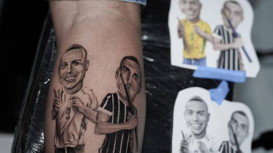 Felipe Prior faz tatuagem em homenagem ao BBB e ao seu ídolo Ronaldo Fenômeno