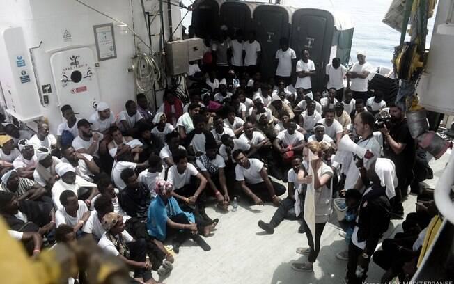 Itália e Malta negaram entrada de refugiados africanos a bordo do Aquarius