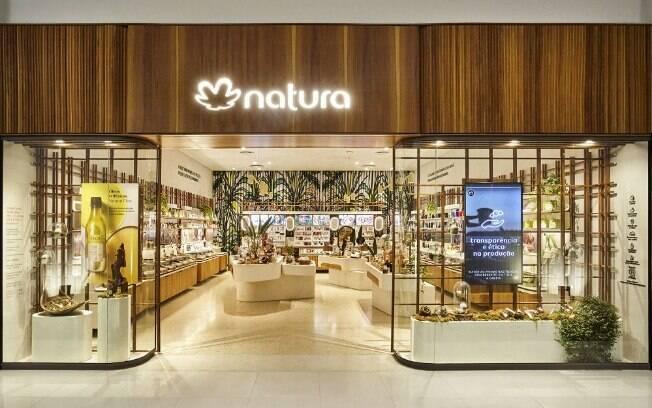 A compra da Avon foi anunciada na noite dessa quarta-feira (22) e prevê a criação de uma nova empresa, a Natura Holding