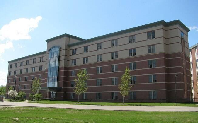 Universidade de Michigan está cercada pela polícia em busca de suspeito do tiroteio nesta sexta-feira