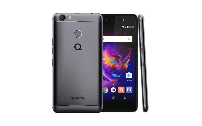 a4430d026ea Quantum You E possui câmera traseira de 13 MP e flash LED  câmera para  selfies