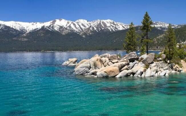 Lago Thoe fica entre Califórnia e Nevada, nos Estados Unidos