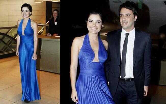 9d273f1cf Vanessa Giácomo foi ao casamento de Tiago Leifert e Daiana Garbin vestindo  um modelo azul com