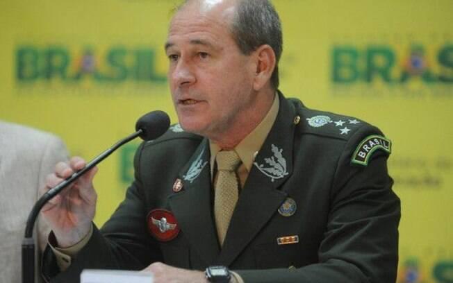 O ministro da Defesa, Fernando Azevedo Silva, comentou a morte do músico Evaldo Santos Rosa