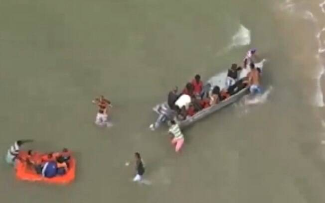 Embarcação seguia rumo à capital da Bahia, Salvador, e o acidente aconteceu por volta das 6h30 da quinta-feira (24)