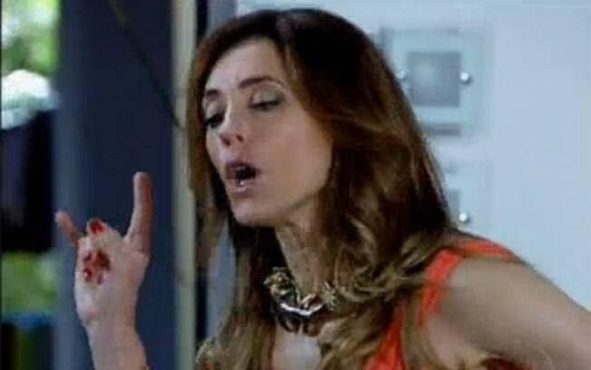 Tereza Cristina fica revoltada ao saber que Griselda será sua vizinha em