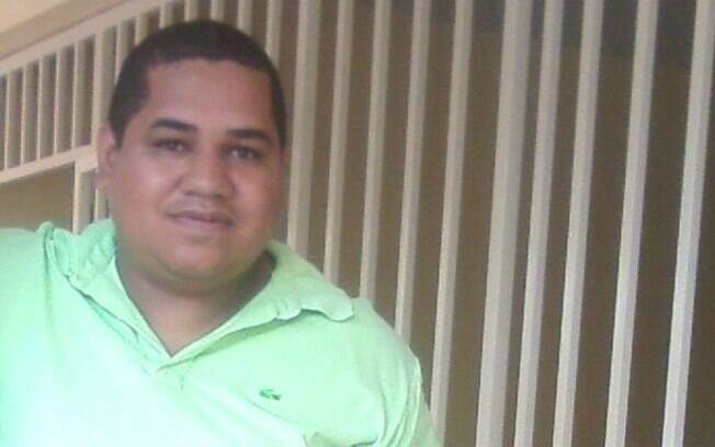 Diretor diz ser perseguido por proibir discriminação