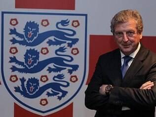 Treinador Roy Hodgson tem até o dia 13 para decidir se manterá o jovem meia entre os 23 do english team