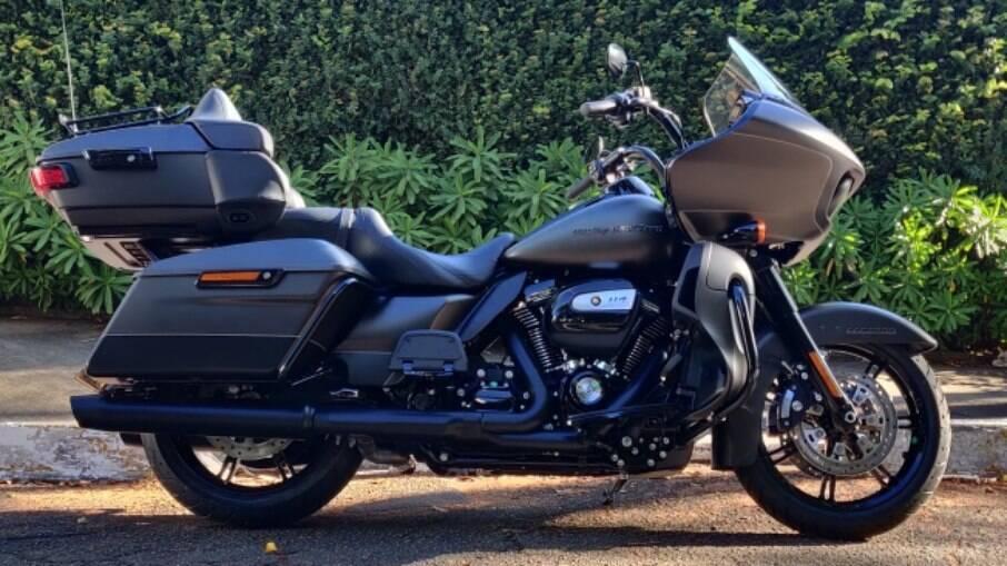 O motor da Harley-Davidson Road Glide Limited é o 114, de 1.868 cm3
