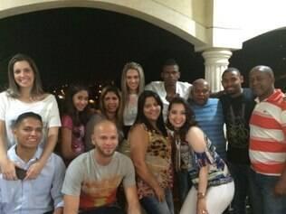 Meia-atacante aproveita penúltimo dia de folga com a família e com os amigos em São Paulo