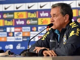 Carlos Alberto Parreira demonstrou otimismo em desempenho da seleção brasileira na Copa