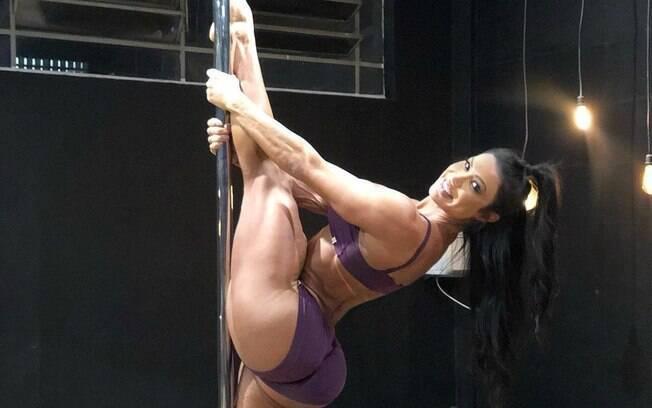 Gracyanne Barbosa descobriu o pole dance e em 2018 apostou na modalidade física, mostrando seu desempenho nas redes