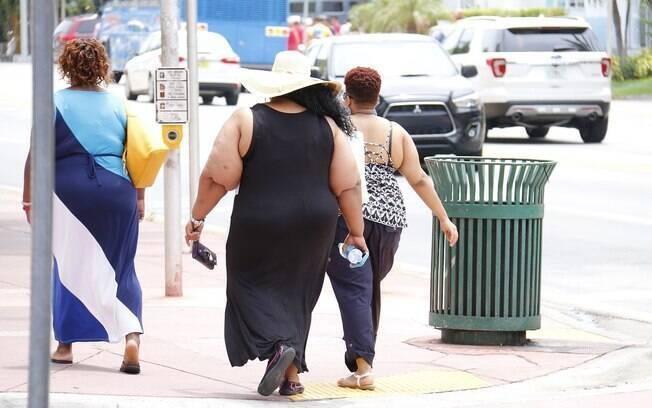 Obesidade e sobrepeso estão relacionados a 14 tipos de câncer, de acordo com a Organização Mundial da Saúde