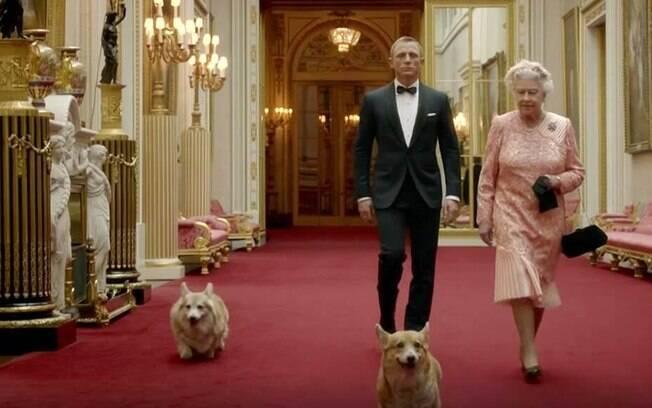Rainha Elizabeth e seus cães foram retratados em filme das Olimpíadas de 2012