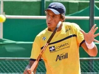 Feijão segue em busca de vaga em Roland Garros
