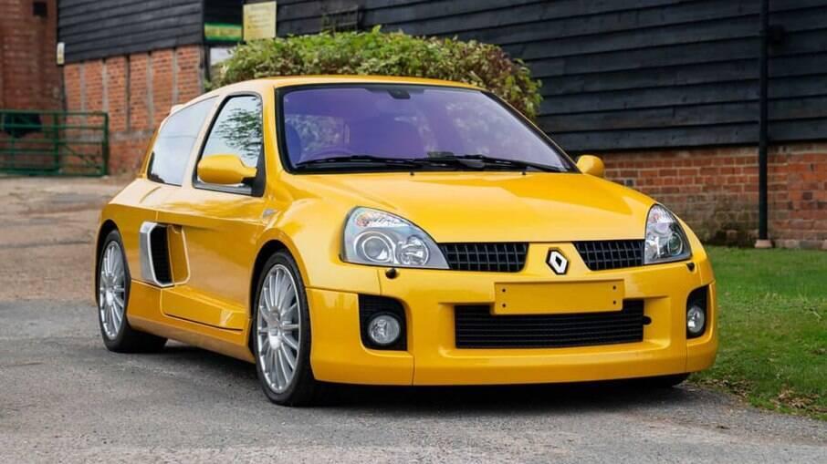 Renault Clio V6: exemplar pintado de amarelo é um dos apenas 18 desta cor que foram para o Reino Unido