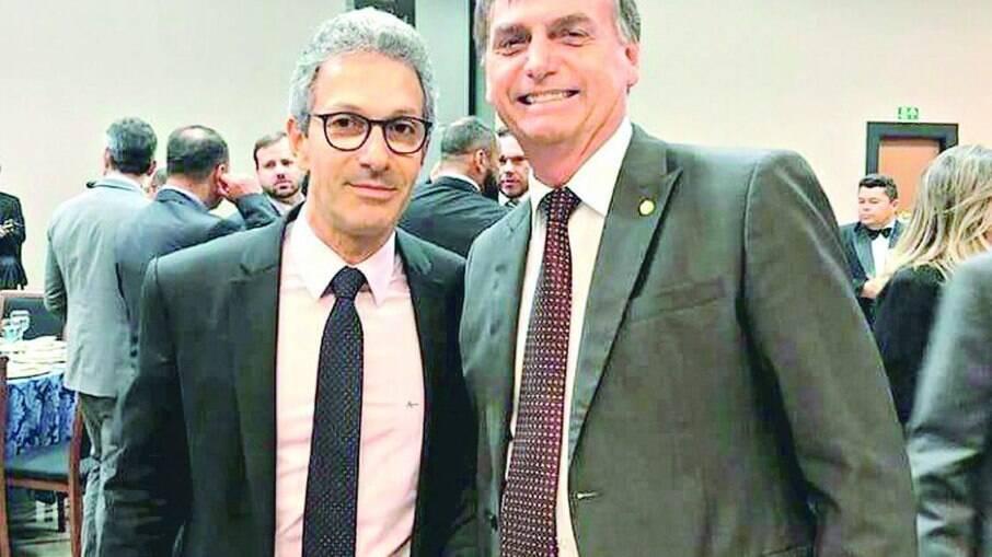 CPI: Bolsonaro despachava com Zema no momento da prisão de Roberto Dias