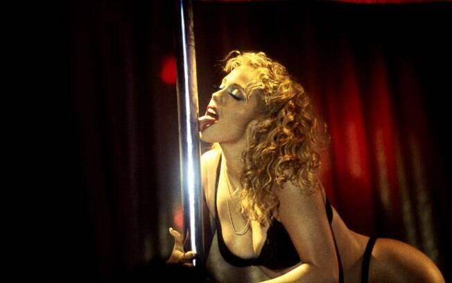 Elizabeth Berkley em 'Showgirls' (1995)