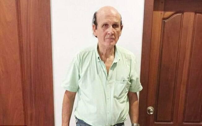 O britânico Clive Cressy foi preso enquanto tomava café da manhã na cidade de Phnom Penh, capital do país