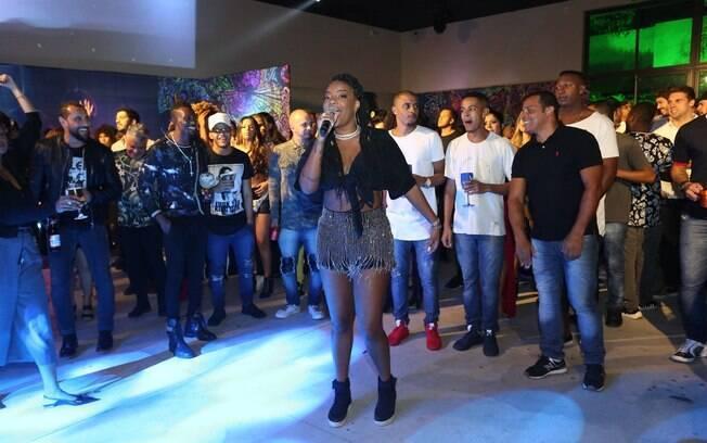 Festa da cantora Ludmilla reúne parentes, amigos e celebridades