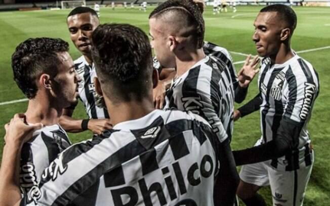 Santos entra em campo pela Libertadores
