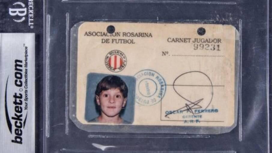 Registro de Lionel Messi na Associação Rosarina de Futebol