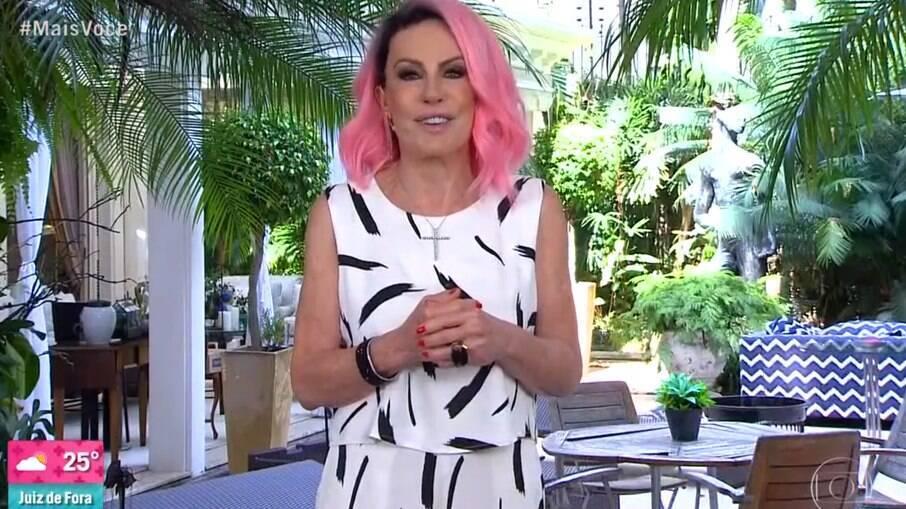 Ana Maria Braga surpreende e aparece com o cabelo rosa nesta segunda-feira (25)