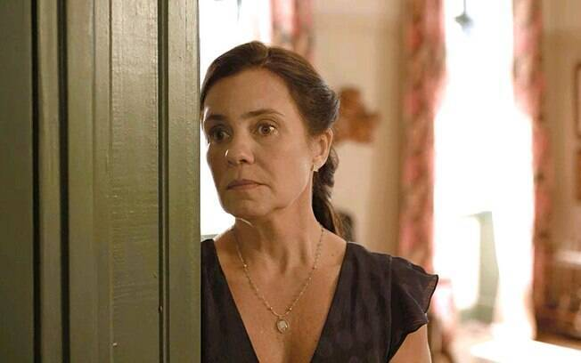 Thelma descobre que Danilo é Domênico e decide separar o filho de Camila