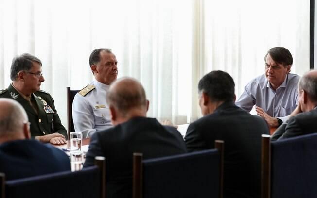 Bolsonaro se reuniu ontem (20) com membros de sua equipe econômica e líderes das Forças Armadas para discutir pontos da Previdência dos militares