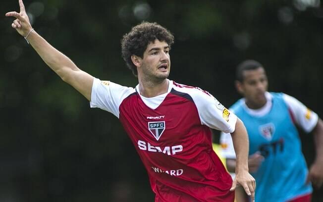 00495e906d Pato realiza seu segundo treino no São Paulo. Foto  Daniel Vorley  Agif