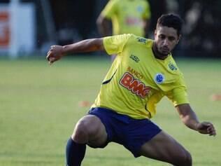 Léo espera se manter na equipe no duelo com o Flamengo, já que Bruno Rodrigo cumprirá suspensão