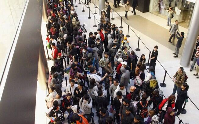Segundo blog, filas pelo iPhone 4S na Apple Store em Hong Kong reuniram mais de 3 mil pessoas