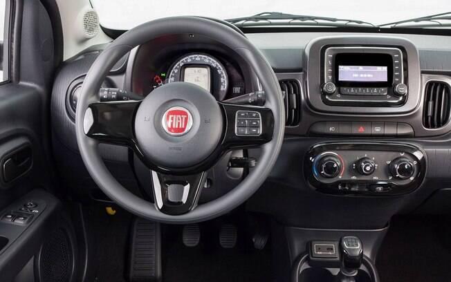 Fiat Mobi Way: além de simples, interior poderia ter um pouco mais de capricho no acabamento