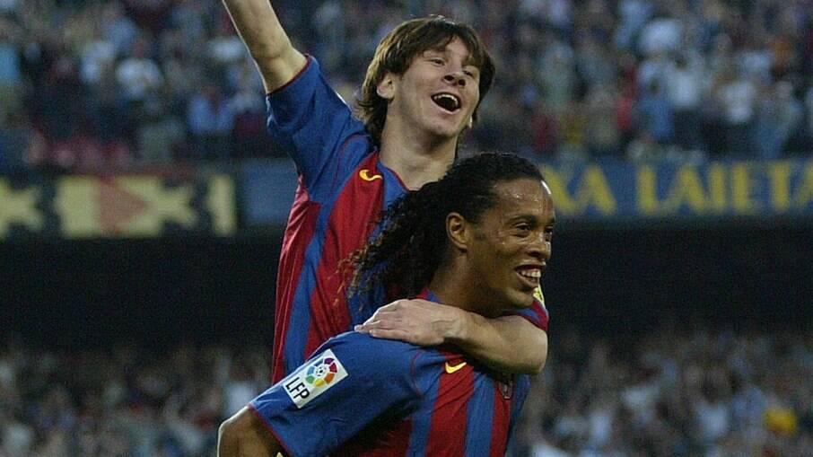 Ronaldinho Gaúcho jogou ao lado de Messi no início da carreira do argentino no Barcelona