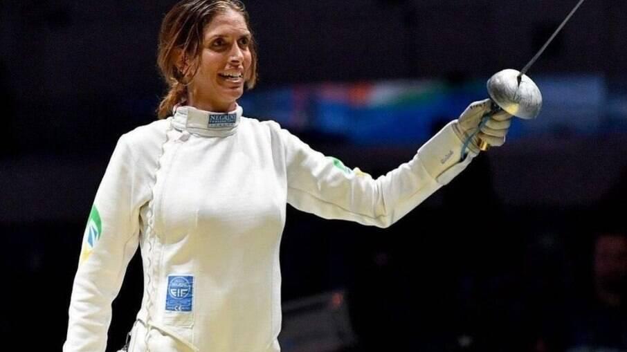 Nathalie é esgrimista e recomeçou a carreira como brasileira