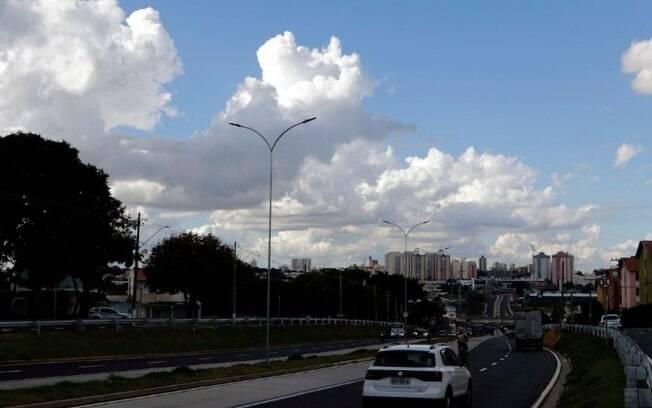 Dia será de sol entre nuvens, com máxima de 26ºC em Campinas