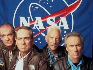 James Garner, Tommy Lee Jones, Donald Sutherland e Clint Eastwood no set de