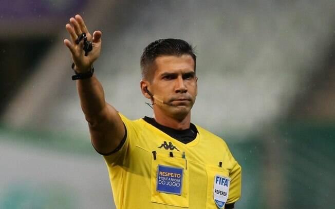 CBF confirma Bruno Arleu de Araújo como árbitro da finalíssima da Copa do Brasil entre Palmeiras e Grêmio