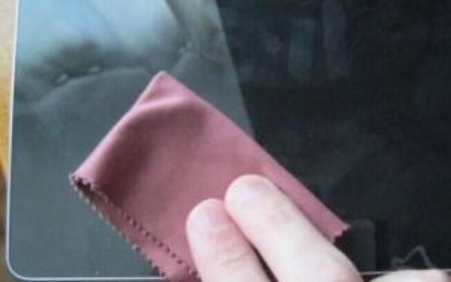 Flanela é melhor tecido para limpar telas sem deixar fios soltos
