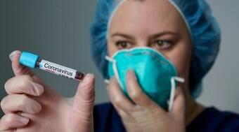 """""""Curandeiros"""" online cobram para proteger pessoas da doença"""