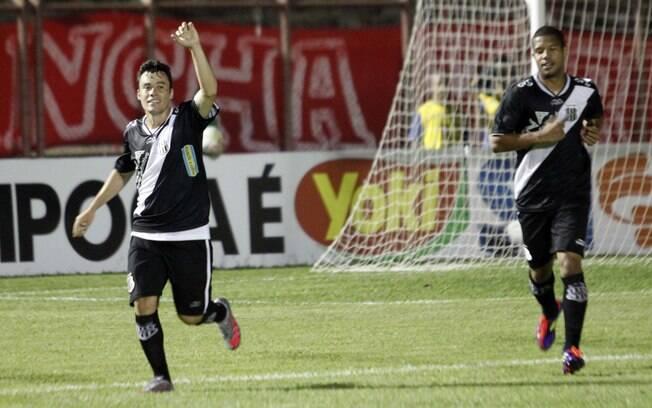 EXCLUSIVO: Flamengo inicia conversas com o meia Renato Caj�