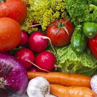 Aumentar o consumo de vegetais é fundamental para combater o colesterol alto
